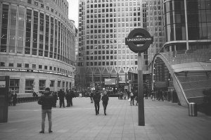 canary wharf tube station